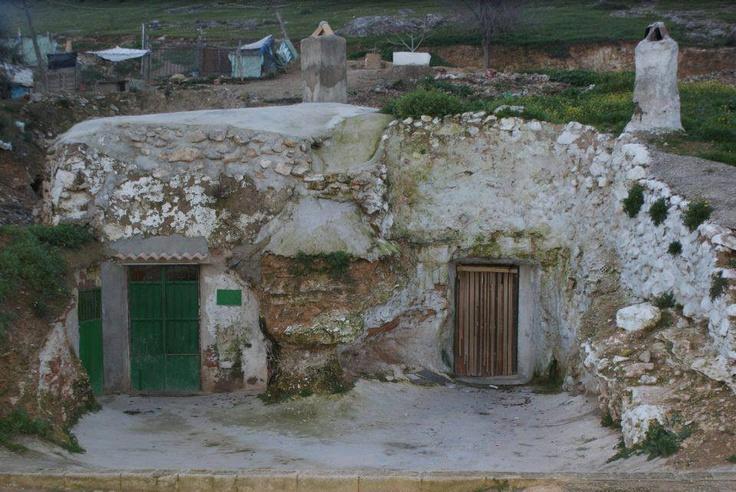 Las cuevas de Jodar. En 1944 en Jodar habia 400 cuevas habitadas en la parte alta de la ciudad, provincia Jaen, Espana