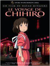 VIDEO - DessIn animé +6 ans : Le Voyage de Chihiro - Chihiro, dix ans, a tout d'une petite fille capricieuse. Elle s'apprête à emménager avec ses parents dans une nouvelle demeure. Sur la route, la petite famille se retrouve face à un immense bâtiment rouge au centre duquel s'ouvre un long tunnel. De l'autre côté du passage se dresse une ville fantôme. Les parents découvrent dans un restaurant désert de nombreux mets succulents et ne tardent pas à se jeter dessus. Ils se retrouvent alors…