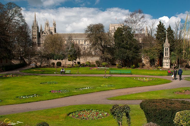 Peterborough cathedral. Full gallery on: https://bogdandanphotography.wordpress.com/2015/03/27/the-cathedral/