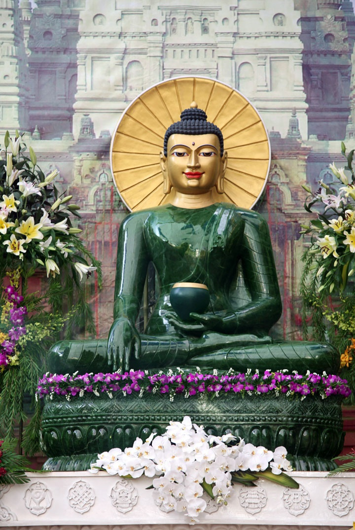 The Jade Buddha, made from BC's Polar Pride jade boulder. It's 2.7 metres high, and weighs 4 tonnes. Solid jade - absolutely amazing in person.