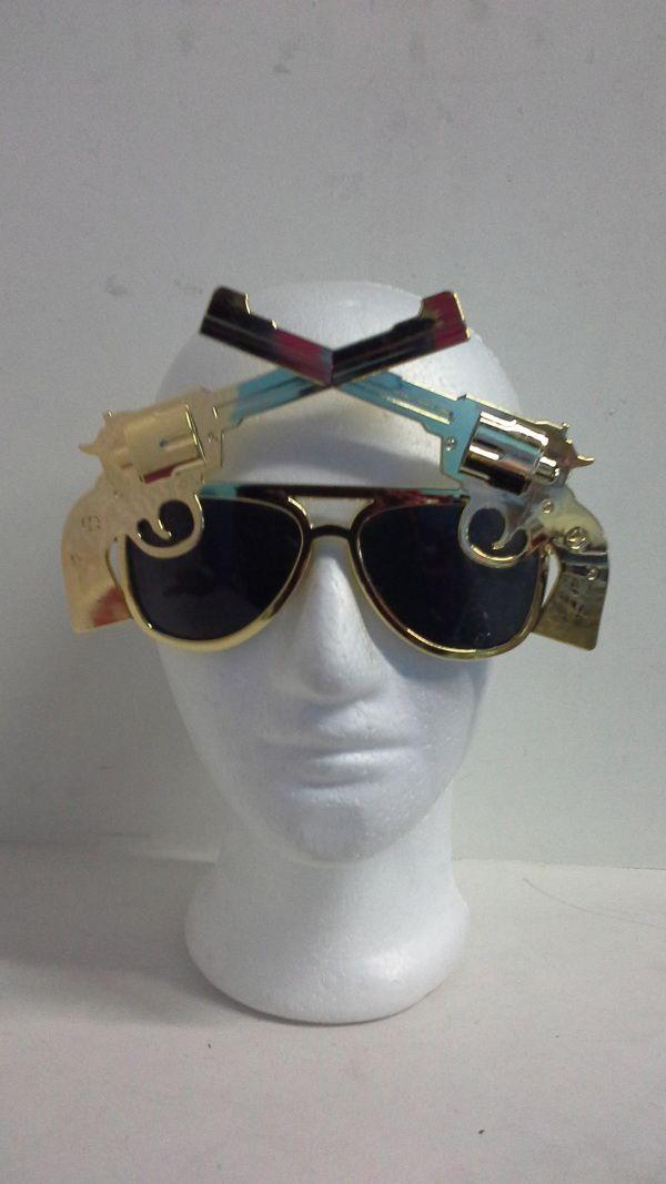 Para una Hora Loca muy divertida, unos lentes de pistolas. No pasarás desapercibido por tus amigos. #ArticulosParaFiestasTematicasCali #DecoracionesFiestasTematicasPereira