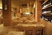 Ristorante Valtellina 18 - Milano. Ambiente elegante - cucina a base di pesce, carne e pizza.