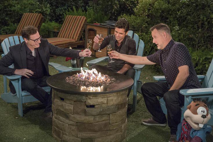 Fuller House Season 2 Trailer: Is Stephanie's New Love Interest… Kimmy's Brother?!