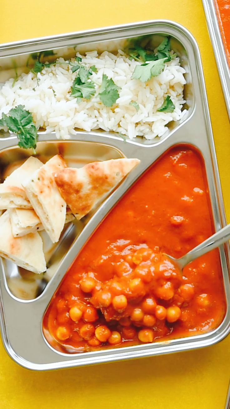 Kichererbsen Tikka Masala Mahlzeit vorbereiten