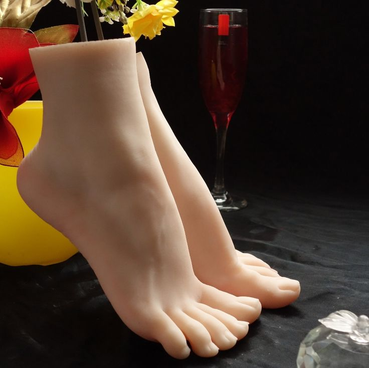99.20$  Buy now - http://aliu9w.worldwells.pw/go.php?t=32270215848 - Male adult products full silicone fake sexy female legs real skin texture feet worship Foot Fetish toys Model free shipping 99.20$