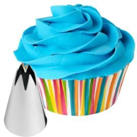 You won't believe how easy it is to make amazing cupcakes with the Wilton 1M tip. It just takes minutes to pipe a fancy iced swirl.: Fun Recipe, Wilton Tips, Cakes Decoration, Wilton Cakes, Swirls Cupcake, Cupcake Decoration, Decoration Cupcake, Ice Cupcake, Ice Swirls