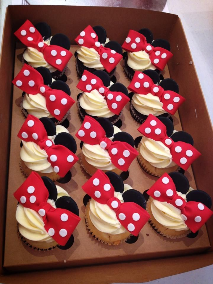 Minnie Mouse is a cute idea for any little girls birthday or even that inner Disney child in all of us!  Contact Bella's for a quote - 0430 844 633 or admin@bellascupcakeworld.com