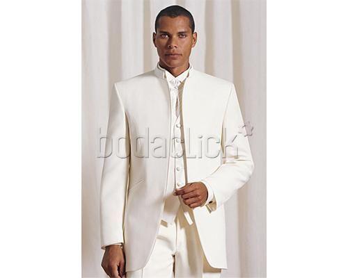 Elegante traje blanco