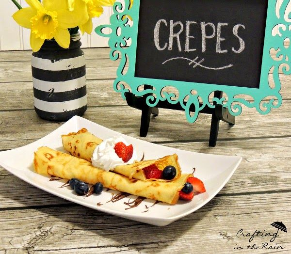 Easy Crepe Bar ||  Recipe and tips for a delicious crepe party www.craftingintherain.com