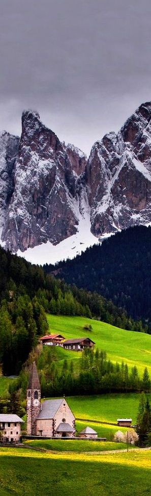 Church of St. Magdalena,Val di Funes, Italy