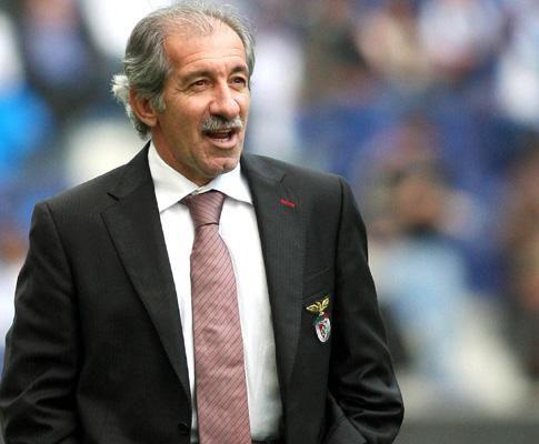 Fernando Chalana, como treinador do Benfica em 2002, aquando da saída de Jesualdo Ferreira e antes da entrada do espanhol José António Camacho, fez a chamada transição.