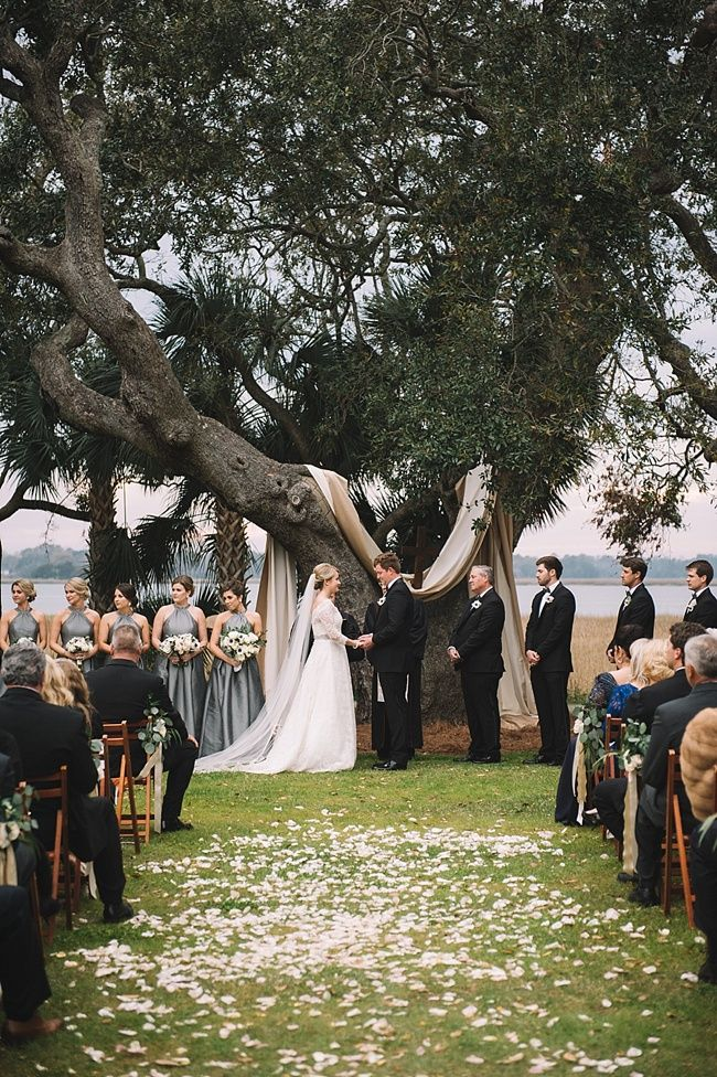 Anna & Woody's gorgeous wedding at the historic Lowndes Grove Plantation | Charleston, SC | Waterfront view | Real wedding featured on The Wedding Row | Winter Wedding Inspiration | Photo by Jennings King Photography