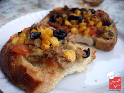 Ton Balıklı Pratik Pizzalar