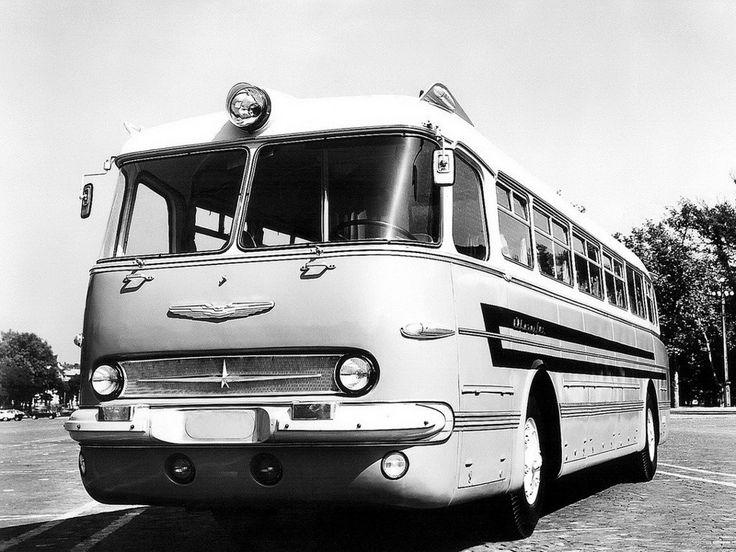 Ikarus 55 Lux, едва сошедший с конвейера. Фото начала 1960-х годов.