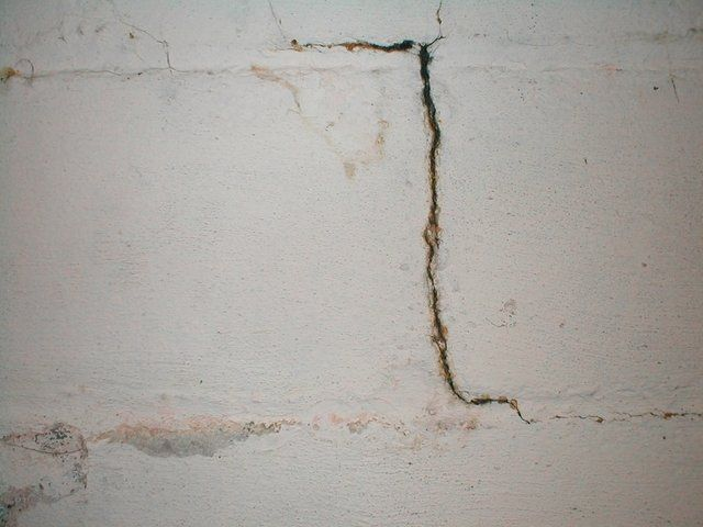 How To Repair A Crumbling Concrete Wall Diy Projects Concrete Walls Diy Concrete Wall Concrete