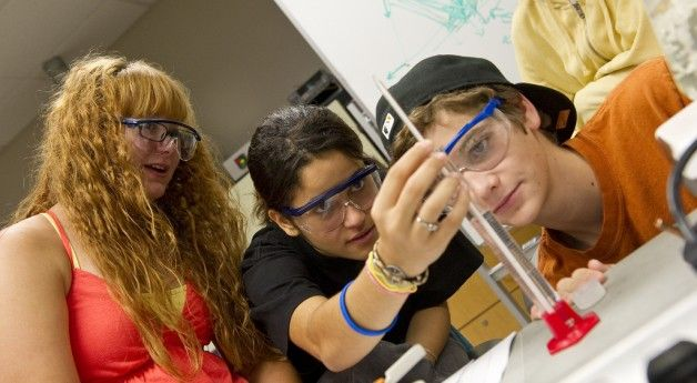The 12 Best Pre-College Summer Programs | Her Campus