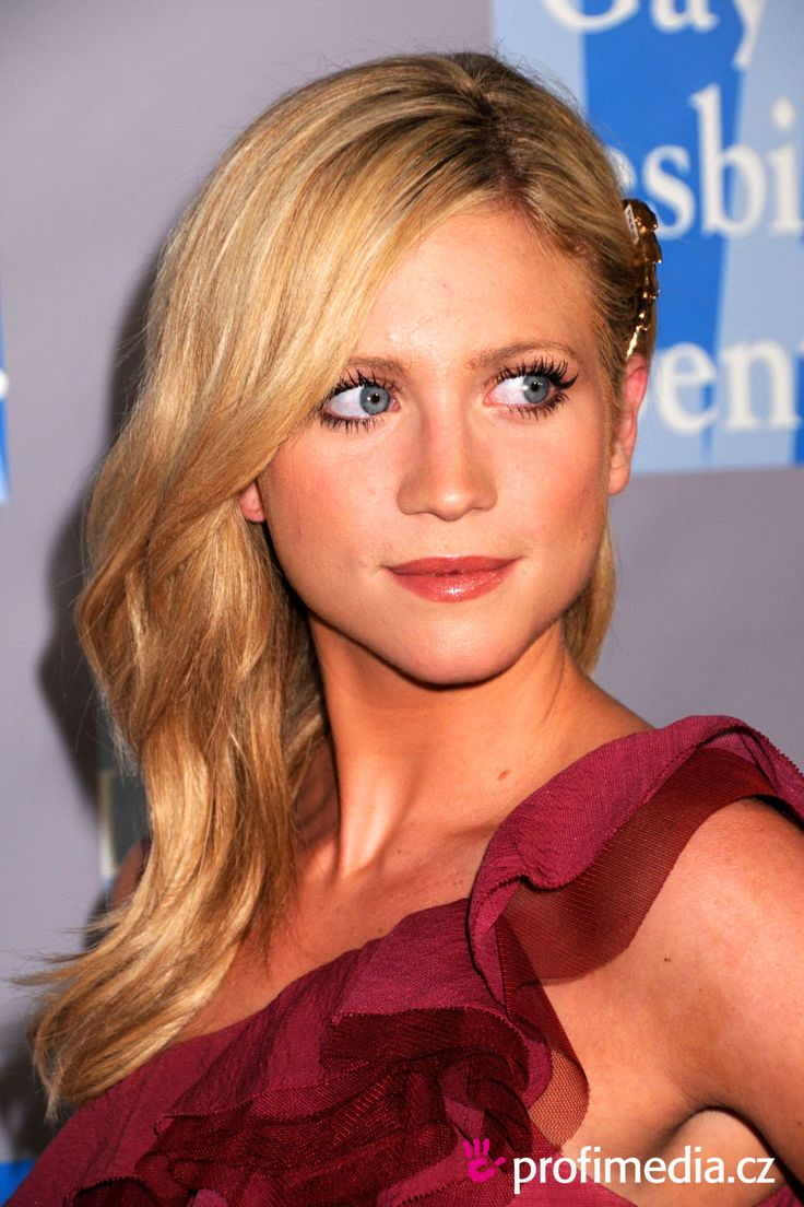 Brittany snow nuse — pic 9