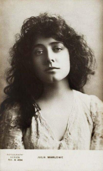 Actress Julia Marlowe, c. late 1800s