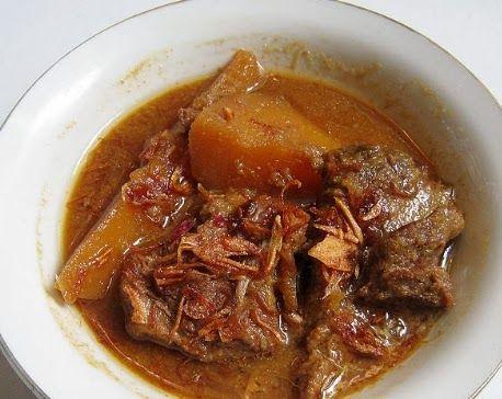 Resep Semur Daging Kentang - Kalau mau tahu cara membuat semur masuk ke http://www.resepmakanan-id.com/2014/06/resep-semur-daging-kentang-yang-enak.html sebagai resep masakan indonesia