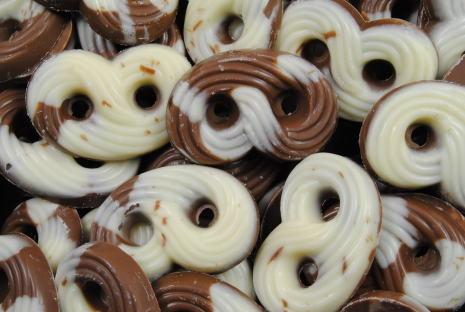 Choklad kringlor brunvita. #Choklad #kringlor #godis