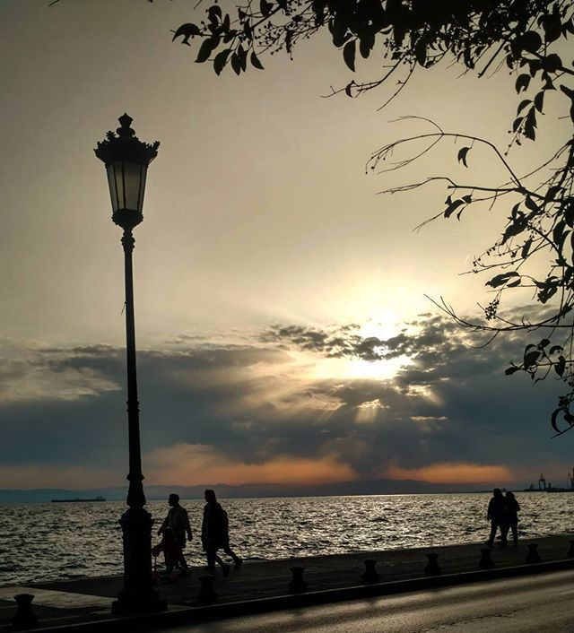 Own your mistakes. Even when youre in the process of screwing up.  #skg #thessaloniki #sea #sunset #waterfront #travelstagram #travel #travelblogger #urbansunset