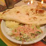 ヒマラヤ - 料理写真:ヒマラヤランチ(サラダ・ライス・ナン)インド料理 ヒマラヤ