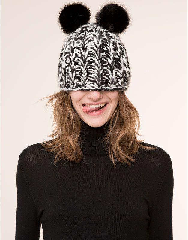 BLACK AND WHITE ZIGZAG BEANIE CAPS & HATS - WOMAN PULL&BEAR Denmark