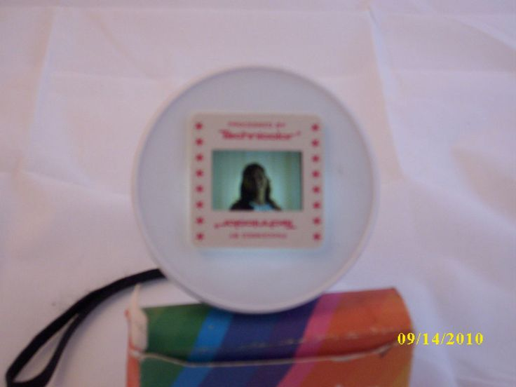 DiY slide viewerPhotos Sliding, Inexpenive 35Mm, Diy Sliding, Sliding Viewer, 35Mm Sliding, 35Mm Photos
