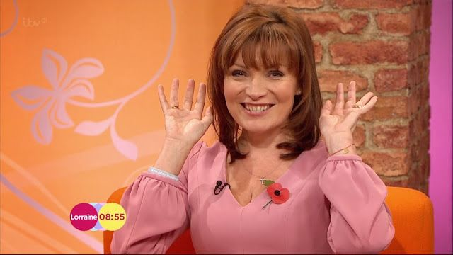 Lorraine Kelly Appreciation Society: Lorraine is wearing a pink Ladress by Simone