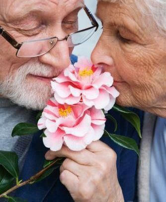 No matter what your age, enjoy each playful moment. #flowers #nature