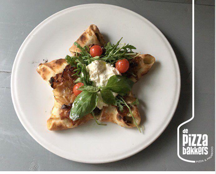 Pizzastar | funghi, pancetta, burrata #depizzabakkers