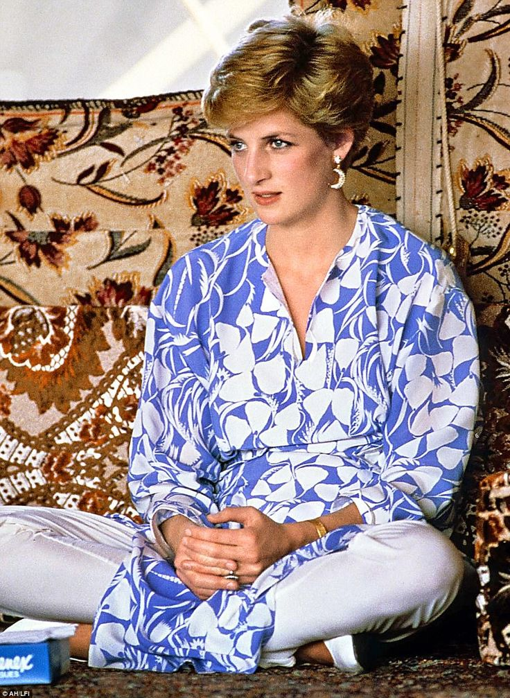 Fooled you! The Press thought Diana's crescent earrings she wore during a trip to Saudi Arabia in 1986 were the real deal. They cost £23