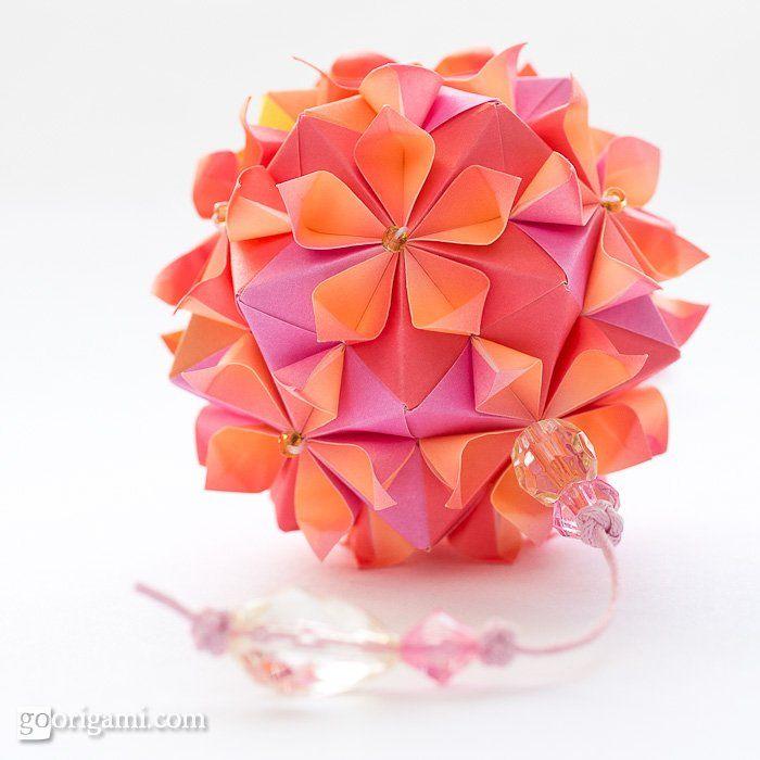 Tutorial http://goorigami.com/modular-origami/cherry-blossom-ball/2468  CraftBliss Blog for Crafty Inspiration and Love! http://craftbliss.com/