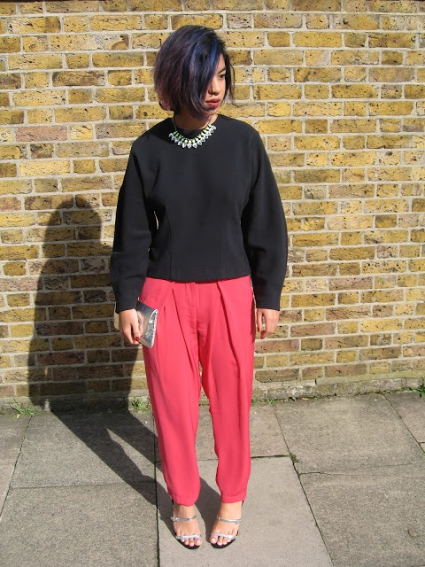 pink trousers, navy cocoon sleeve top, silver vintage clutch, hair dye #outfit #streetstyle