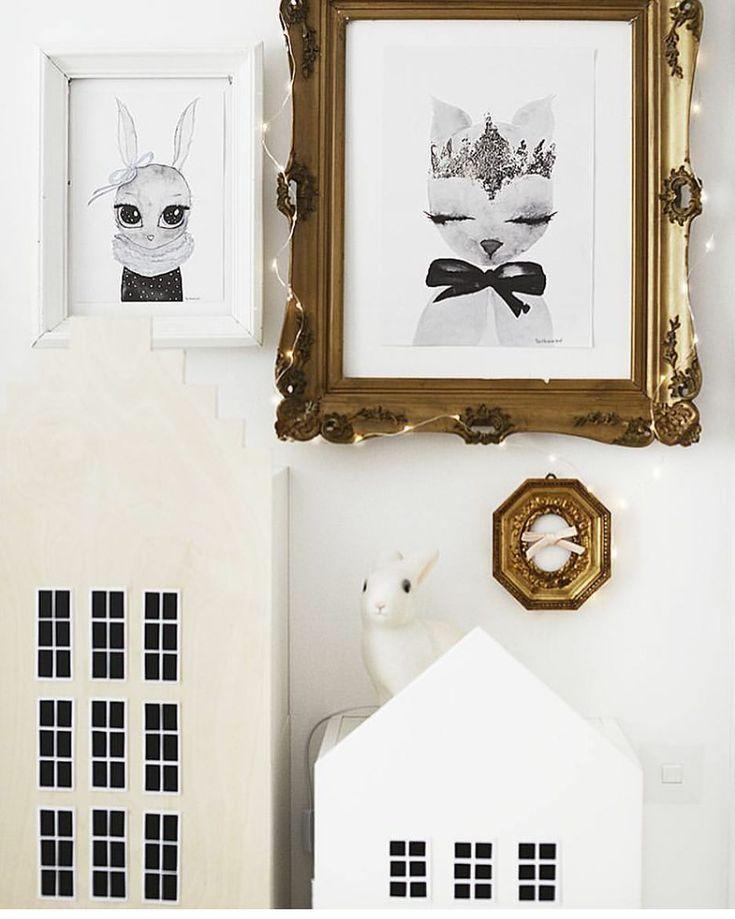 @mamaiiris <3 A4 Miss Blu & A3 Crown - By Christine Hoel prints <3 #bychristinehoel #kidsroom #kids #home #interior