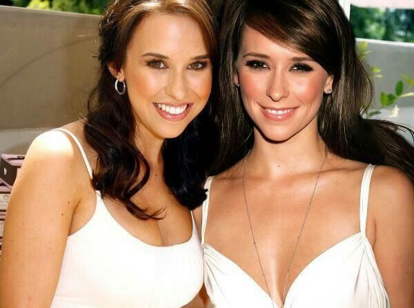 Lacey Chabert & Jennifer Love Hewitt