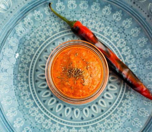 Harissa er en nordafrikansk krydderpasta som hovedsakelig består av grillet paprika og chili. Harissa er nydelig til lam, og annet kjøtt.