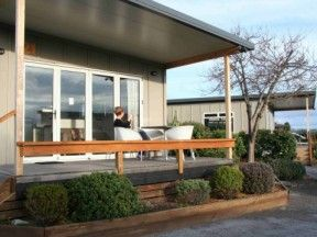 Taupo Accommodation - Lodge Deck
