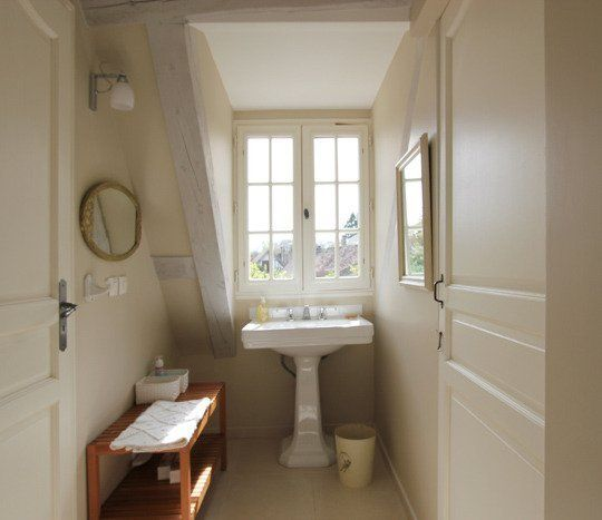 Images Photos Alon u Betsy us Clean u Classic French Countryside Home u House Tour Bathroom BenchAttic