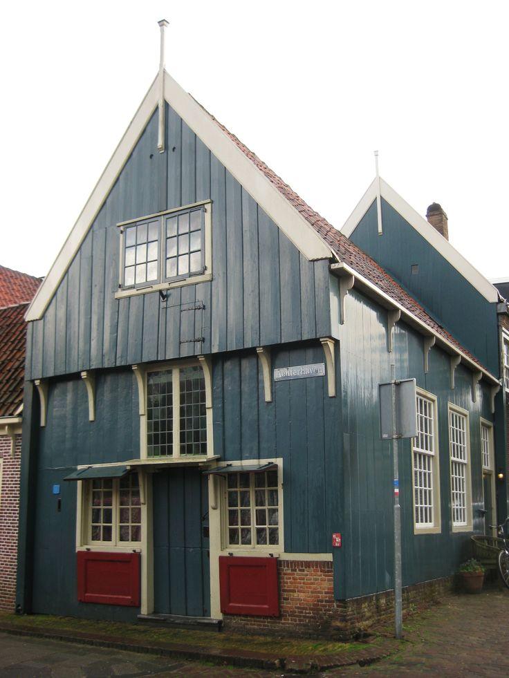 EDAM Pays Bas Laat Gotisch houten huis eerste kwart