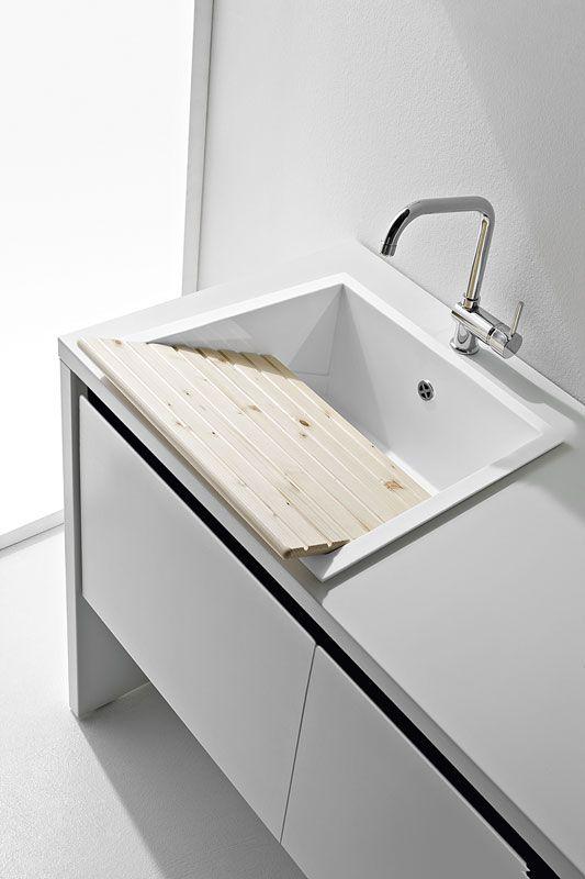 Oltre 25 fantastiche idee su ripostiglio lavanderia su for Mensole bianche brico