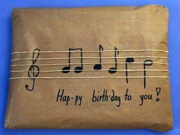 Geburtstagsgeschenke verpacken …
