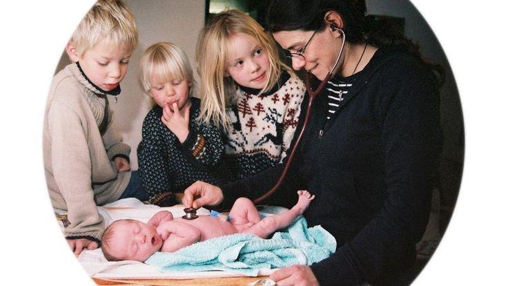 Übernahme der Kosten für Hebammen unabhängig vom Geburtsort und Geburtstermin sichern! / Meeting the cost of Midwifery regardless of birthplace and birth date secure! https://www.change.org/p/geburt-darf-keine-privatleistung-werden-gegen-die-wirtschaftlich-optimierte-geburt-elternprotest