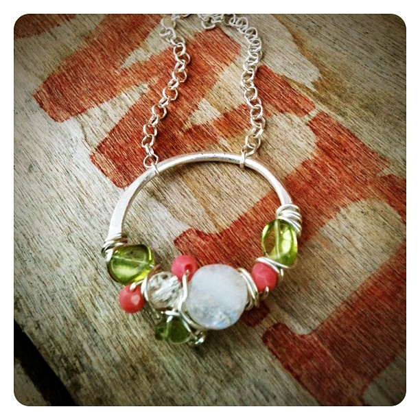 Cluster necklace, small and simple, perfect for spring and on into summer! - @jenjems- #webstagram: Cluster Necklaces, Jewelry Necklaces, Gorgeous Necklaces, Photo