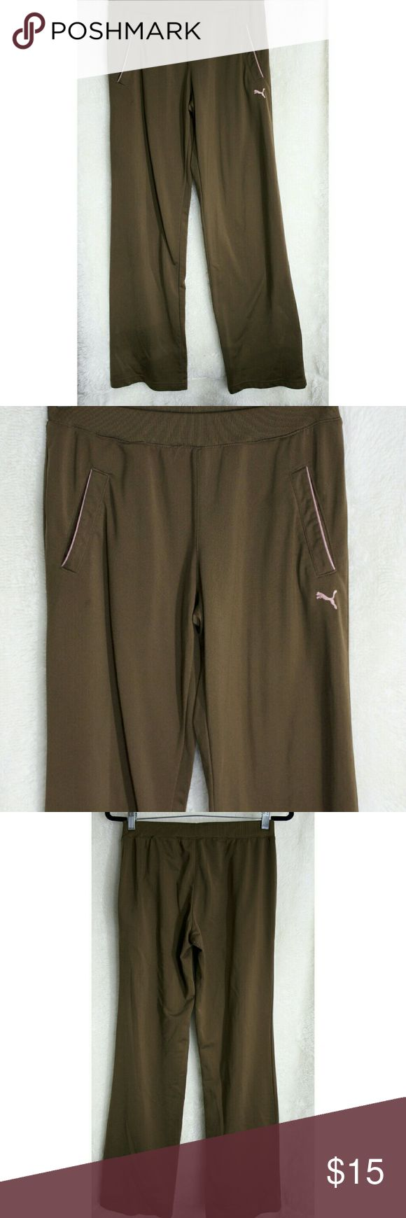 Puma women track pants Wide leg Track pants in great shape. Very soft and comfortable. Perfect to run errands on. Puma Pants Track Pants & Joggers