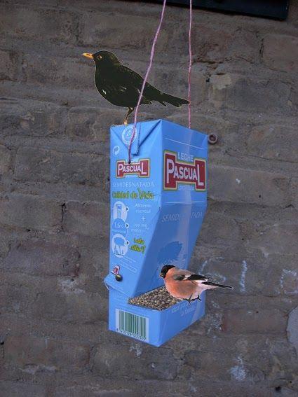 (tetra pak manualidad niños pájaros)            Hay que pensar en los pájaros… ¡con un pequeño cambio un tetrabrik puede ayudarles! ...