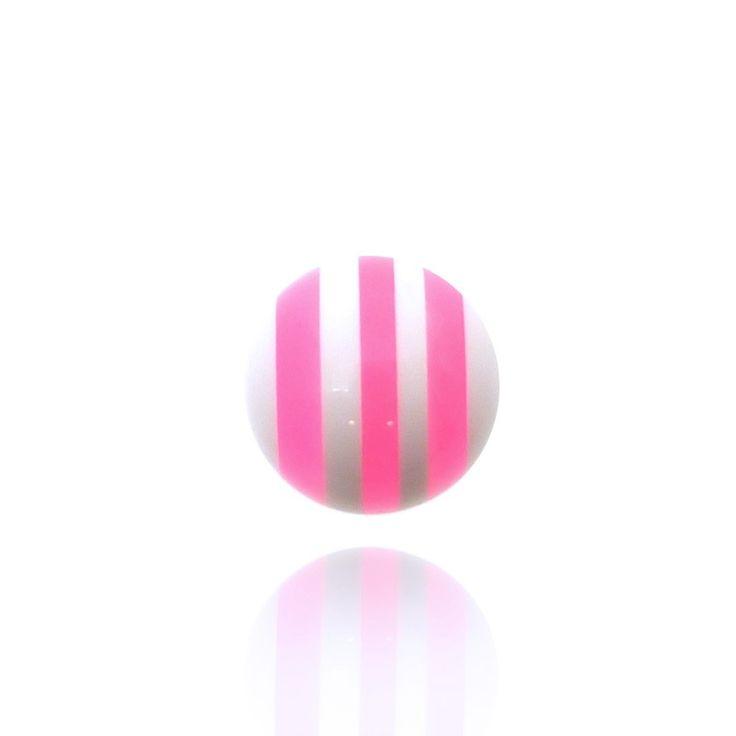 Cette boule pour piercing est blanche avec des rayures roses. Elle est en 1,6mm, elle peut s'adapter sur toutes vos barres en 1,6mm.
