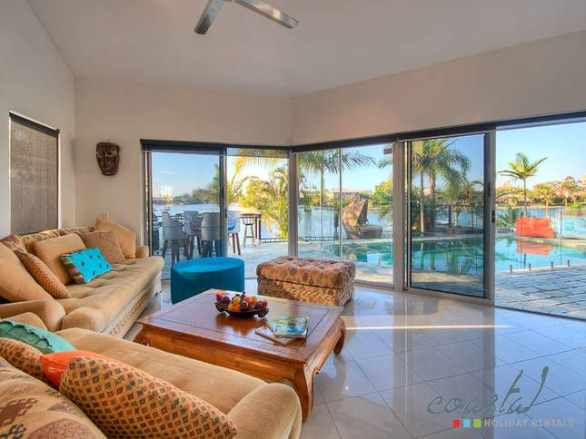 **TROPICAL SHORES ON BROADBEACH**, a Gold Coast Waterfront LUXURY 5 BED WATERFRONT HOUSE | Stayz