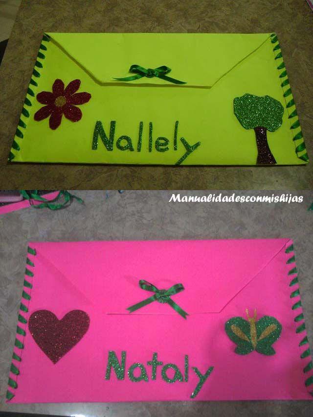 Manualidadesconmishijas: Carpetas de cartulina para el colegio con adornos en goma eva. Colaboración en el blog