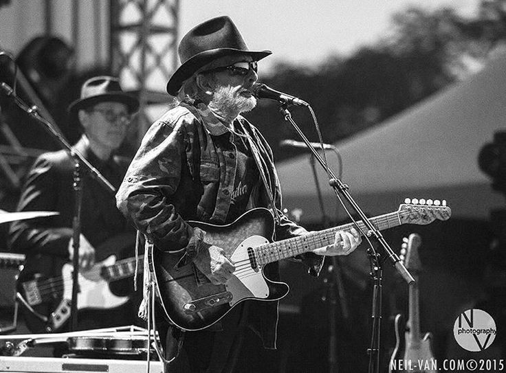 Merle Haggard @ Riotfest Chicago 2015.. // For more country/western inspiration, visit www.broncobills.co.uk